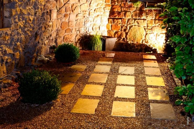 Jardines de estilo  por Jardinarias