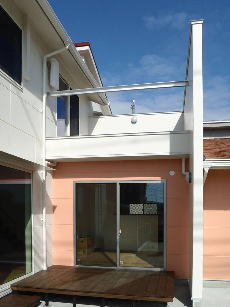 薔薇の家: 株式会社SOM(ソム)建築計画研究所が手掛けた家です。