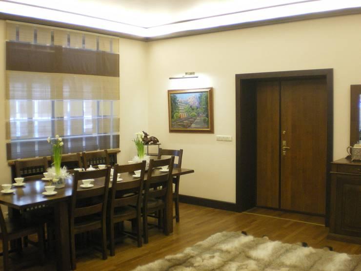 Коттедж в Новой Европе: Столовые комнаты в . Автор – Архитектор Константин Тишин, Классический