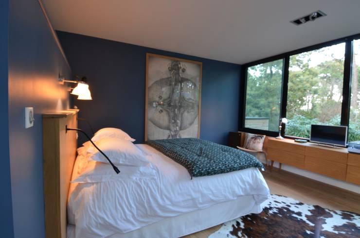 Dormitorios de estilo  por cecile kokocinski