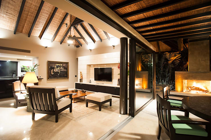 Living room by Stone Contractors