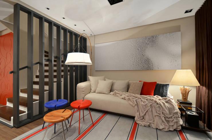 Casa da Praia: Salas de estar  por Johnny Thomsen Arquitetura e Design ,