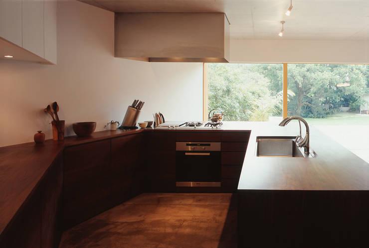 世帯2 キッチン: 八木建築研究所 Yagi Architectural Designが手掛けたキッチンです。,モダン