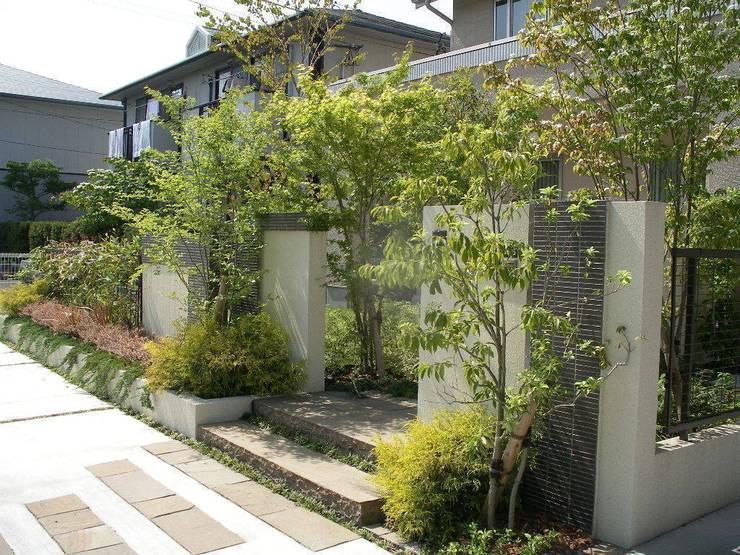 ナチュラル&モダンな庭 クラシカルな 庭 の 設計工房ひなたぼこ クラシック