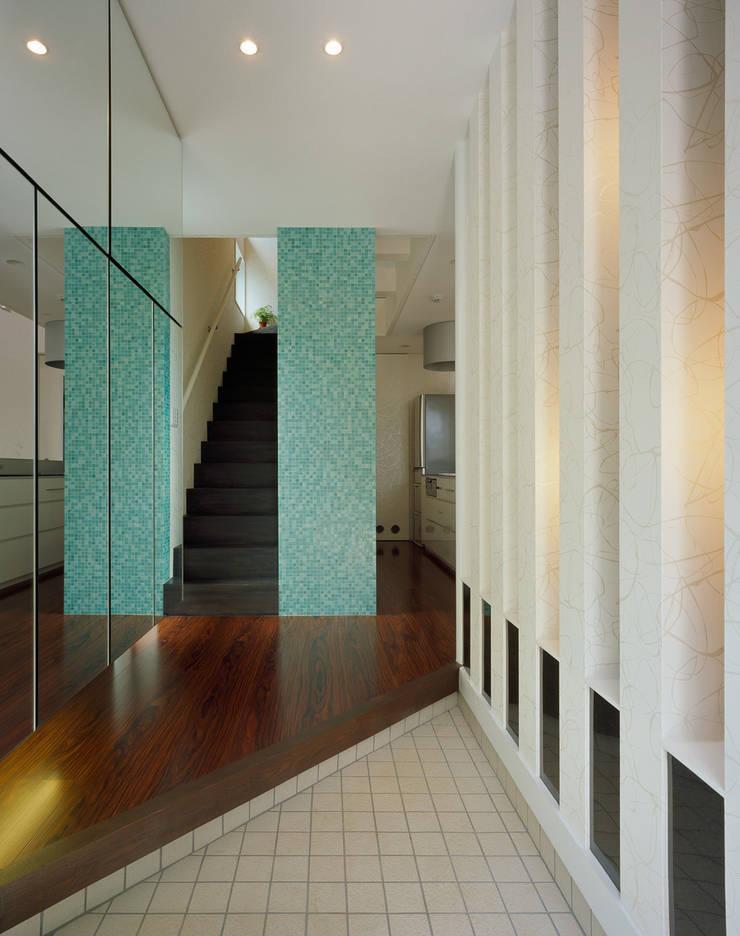 .: 加藤將己/将建築設計事務所が手掛けた廊下 & 玄関です。