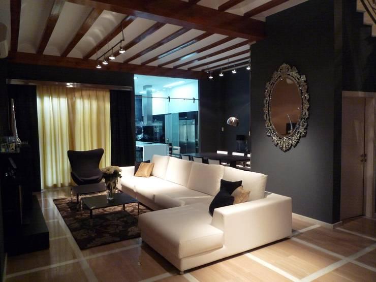 غرفة المعيشة تنفيذ Aris & Paco Camús