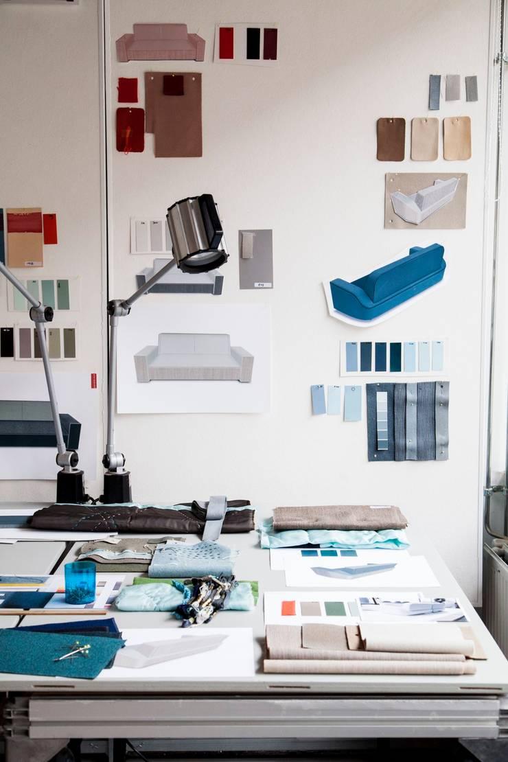 process image:  Woonkamer door studio arian brekveld
