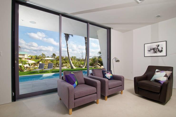 Living room by Nicolas Tye Architects, Modern