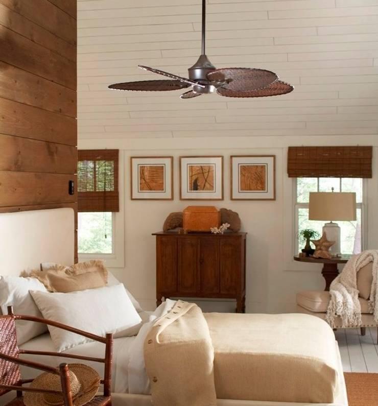 CASA BRUNO Islander ventilador de techo, marrón óxido, ISD4A: Dormitorios de estilo  de Casa Bruno American Home Decor