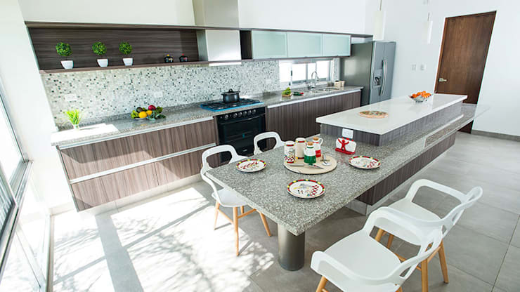 modern Kitchen by Ancona + Ancona Arquitectos