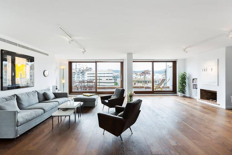 ÁTICO LOFT TK: Salones de estilo  de RM arquitectura