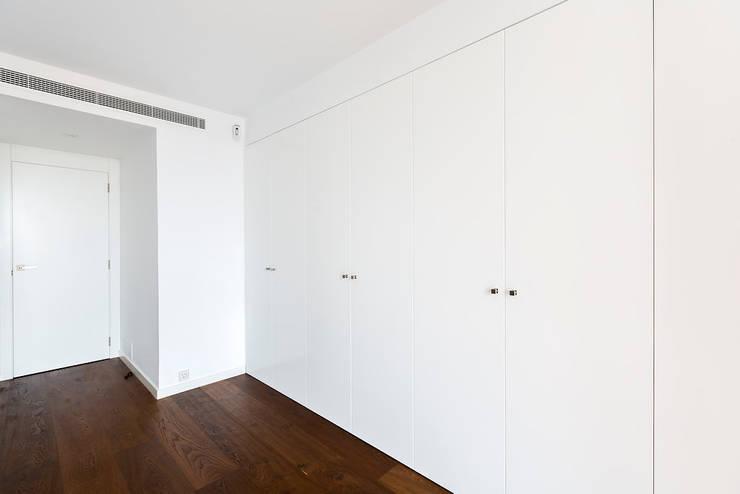 ÁTICO LOFT TK: Dormitorios de estilo  de RM arquitectura