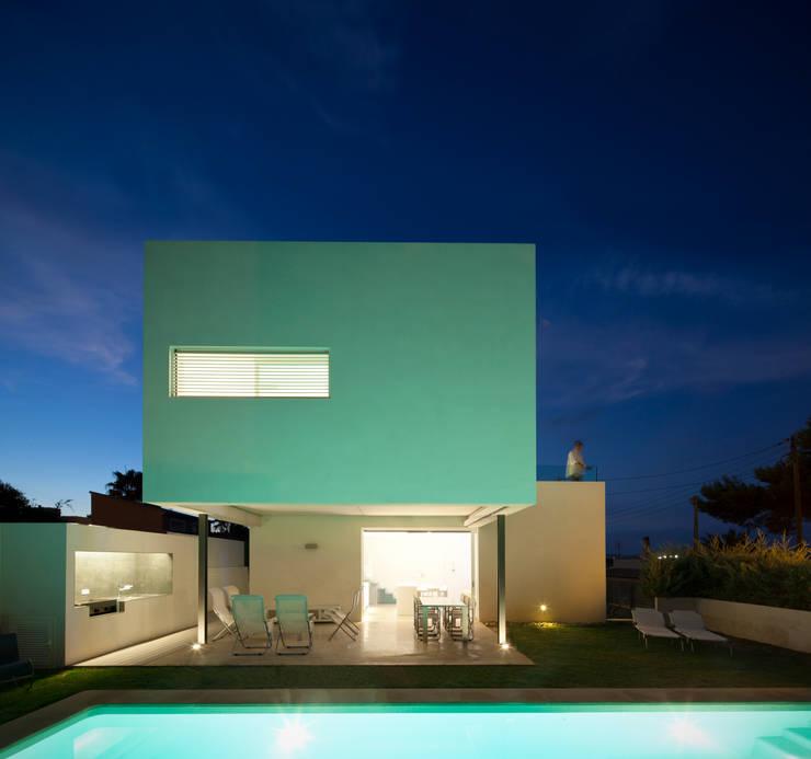 CASA RM: Jardines de estilo minimalista de RM arquitectura