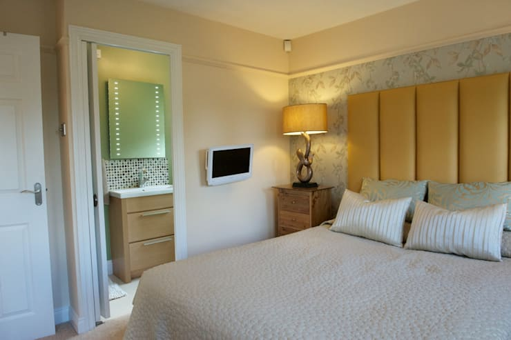 Master bedroom to ensuite:  Bedroom by Chameleon Designs Interiors