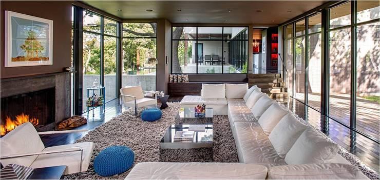 Livings de estilo moderno por Specht Architects