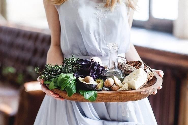 Доски и посуда: Кухня в . Автор – FUGA