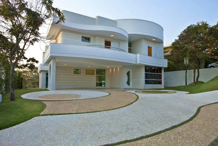 moderne Häuser von Arquiteto Aquiles Nícolas Kílaris