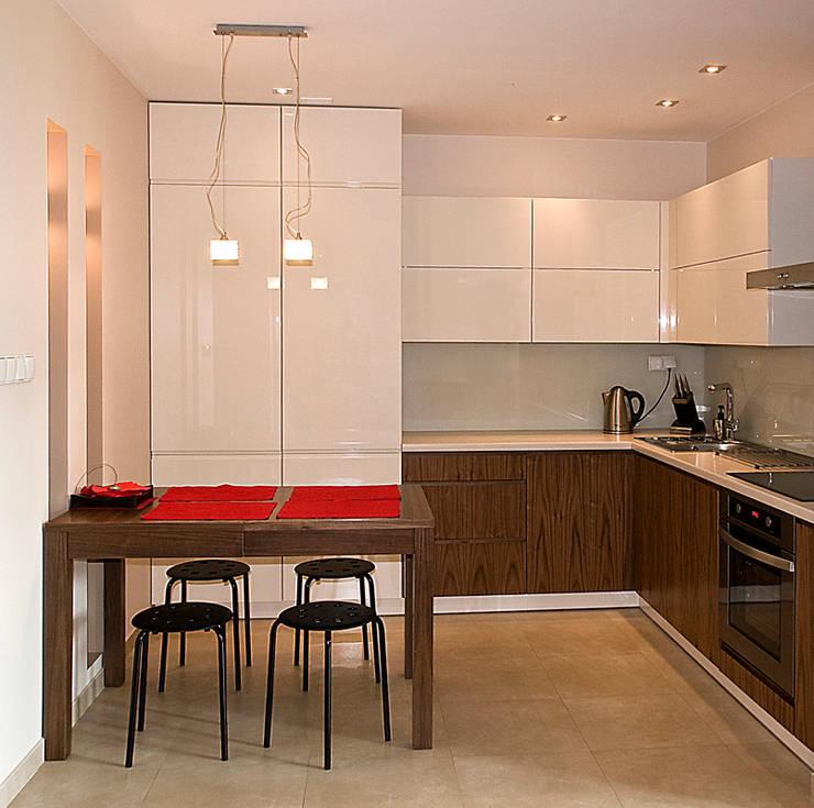 Mieszkanie na Tarchominie: styl , w kategorii Kuchnia zaprojektowany przez Ładne Wnętrze,Nowoczesny