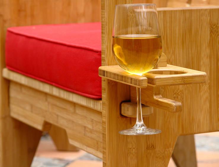Porta-bebidas: Balcones y terrazas de estilo  por Wedgewood Furniture