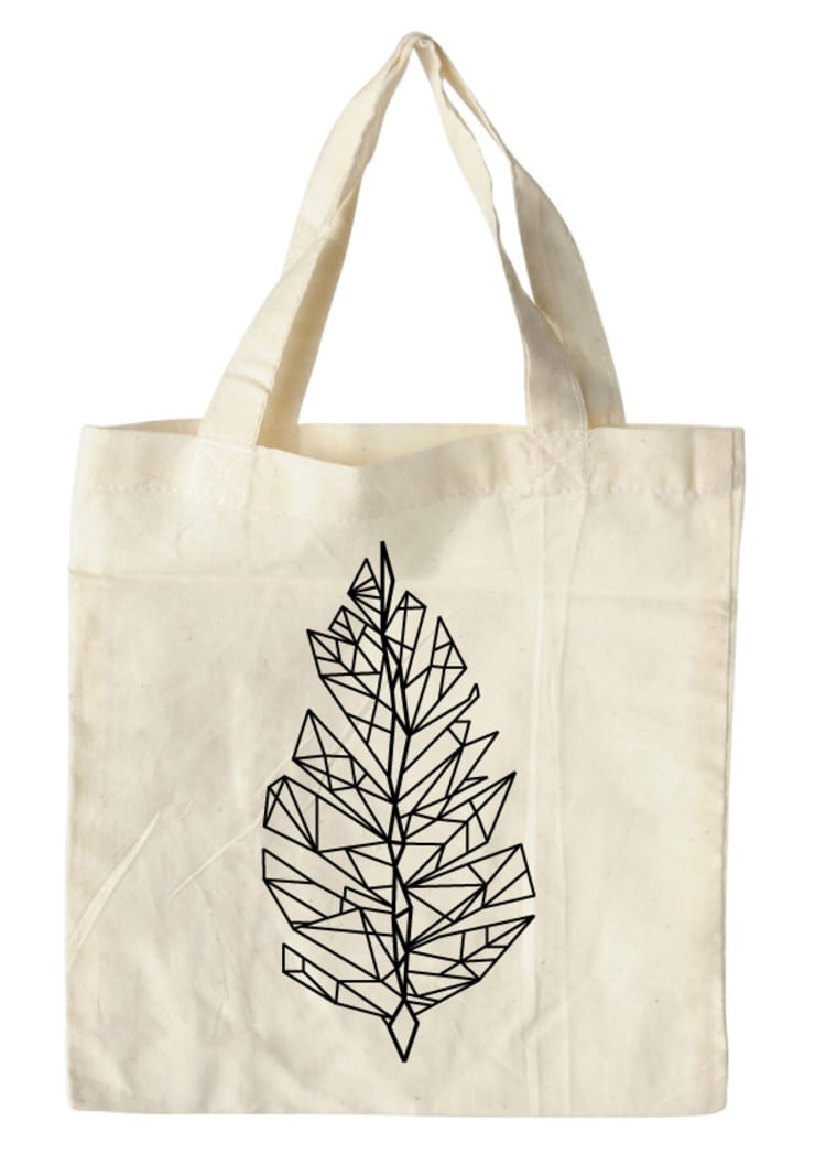 bag feather white:  Kunst  door Sophie Wolterink