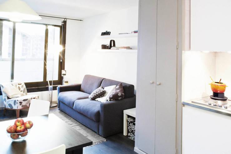 Ruang Keluarga by marta novarini architetto