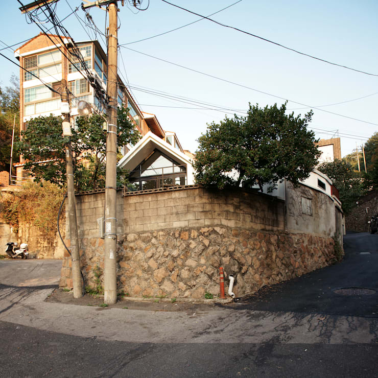 Buam-dong House: JYA-RCHITECTS의  주택,한옥