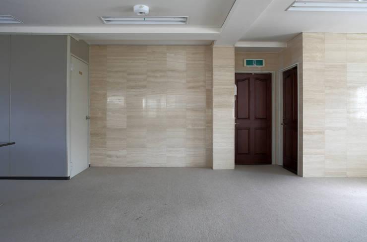 ダイニング 改修前: 伊藤一郎建築設計事務所が手掛けたです。