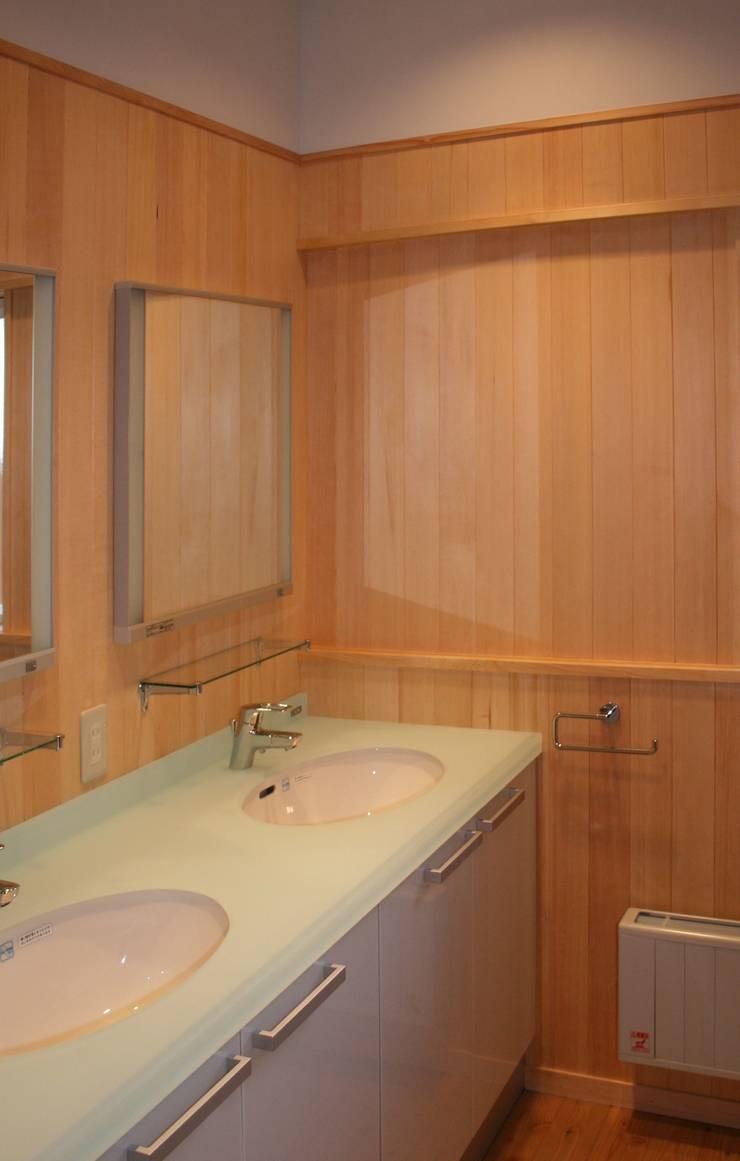 洗面: 川田稔設計室一級建築士事務所が手掛けた浴室です。