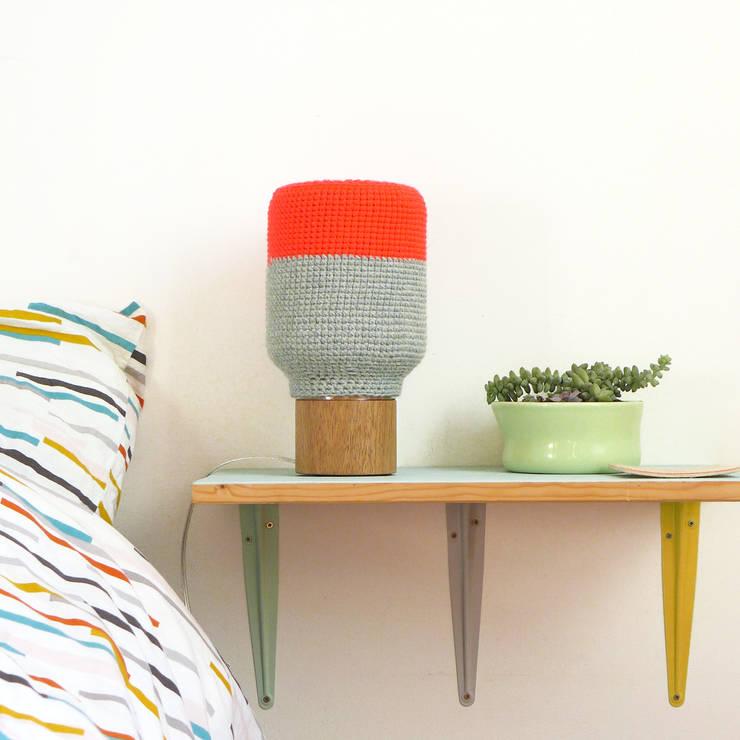Lampe N°5: Chambre de style  par faustine - couleurs maille design