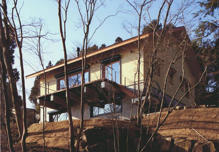 DOVE VAI ー天城高原の別荘ー: 松井建築研究所が手掛けた家です。