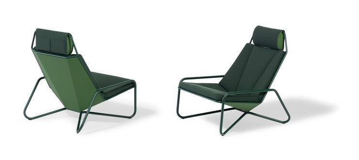 Vik Lounge Chair -for Spectrum-:  Woonkamer door studio arian brekveld
