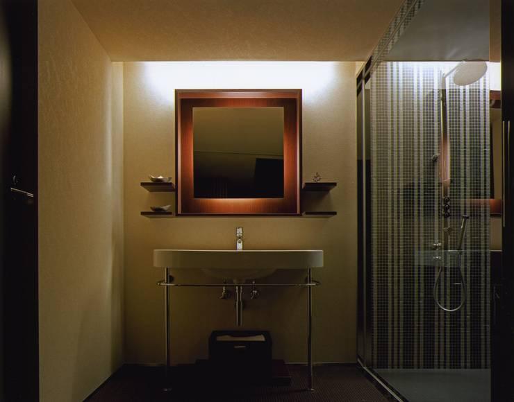 1: ケイデザイン一級建築士事務所が手掛けた浴室です。
