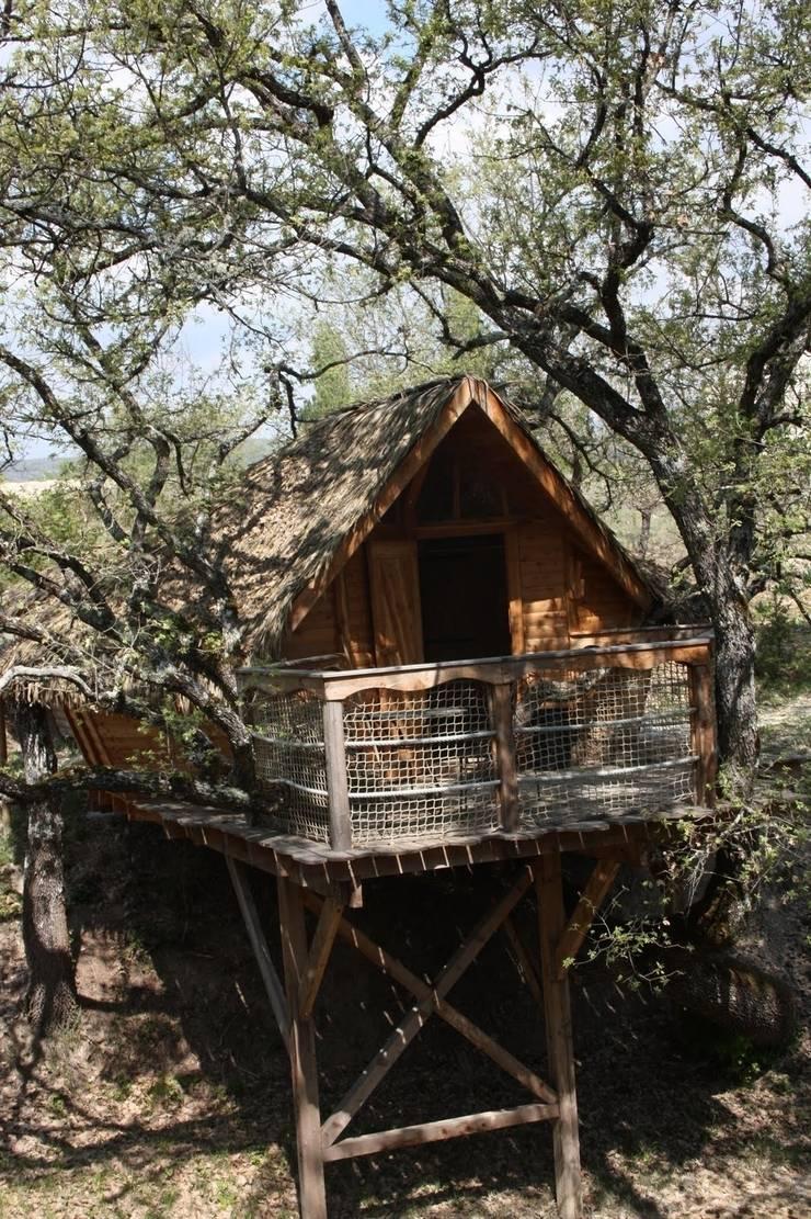 la cabane dans les arbres par les maisons de chante oiseau homify. Black Bedroom Furniture Sets. Home Design Ideas