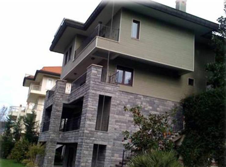 Ulus Architects – TRC House Acarkent:  tarz Evler