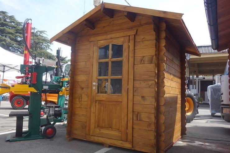 Casetta in legno 2x2. Spessore 28 mm:  in stile  di DEKALUX