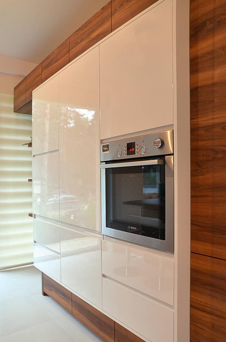 Kuchnia Rybienko Leśne: styl , w kategorii Kuchnia zaprojektowany przez ArtDecoprojekt