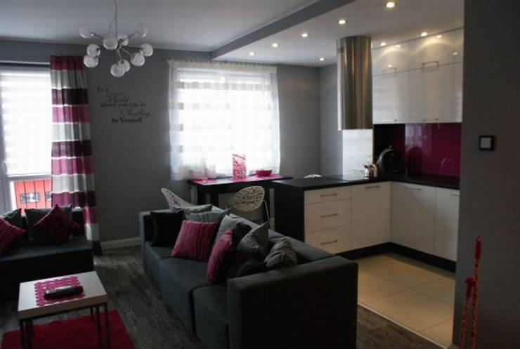 Mieszkanie z dmuchawcem z nutką glamour: styl , w kategorii Kuchnia zaprojektowany przez studio bonito