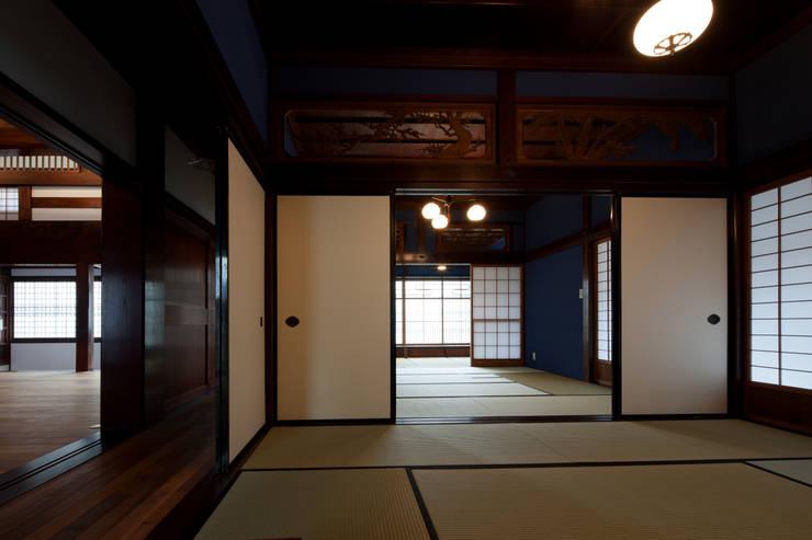 座敷: 杉江直樹設計室が手掛けたです。
