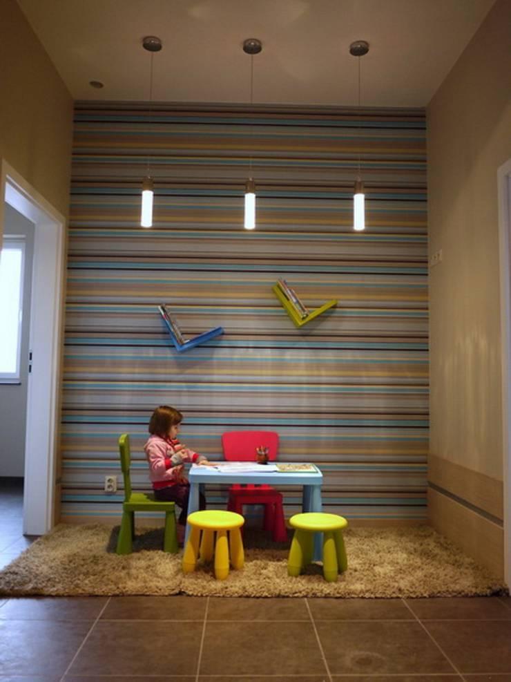 Basen dla dzieci: styl , w kategorii Bary i kluby zaprojektowany przez studio bonito,Nowoczesny