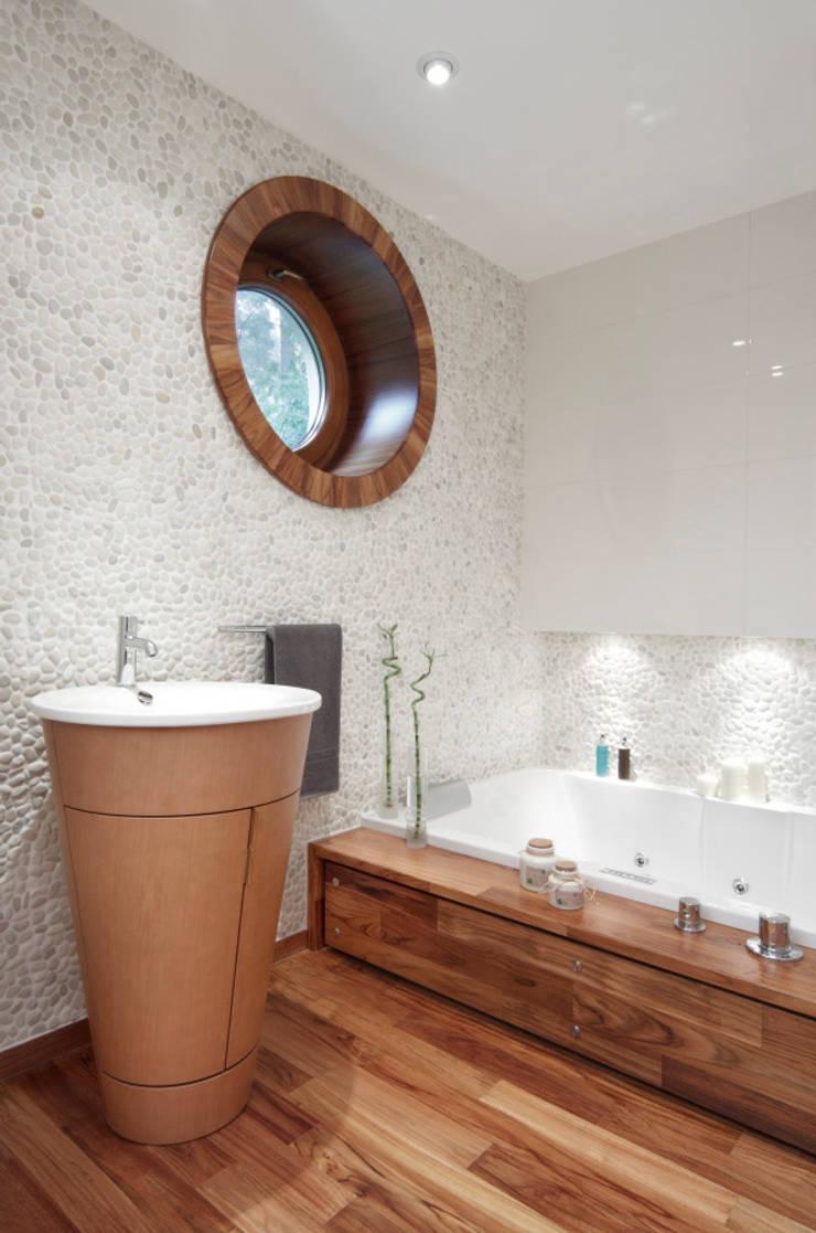 Dom w Magdalence: styl , w kategorii Łazienka zaprojektowany przez 3deko,