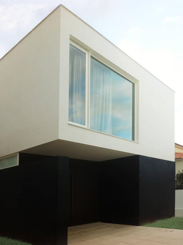 Casa Unifamiliar, Foios, Azeitão: Casas  por atelier.dxf