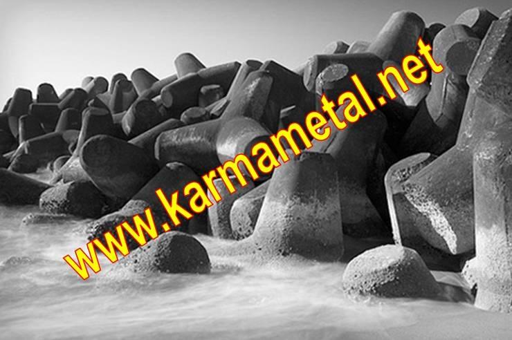 Baños de estilo  de KARMA METAL, Industrial