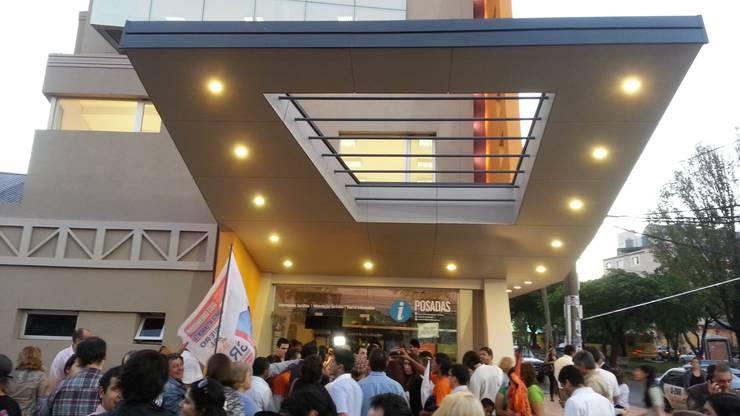 Escuela Municipal de Danzas: Casas de estilo  por Módulo 3 arquitectura