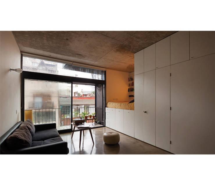 Quintana 4598: Livings de estilo  por IR arquitectura