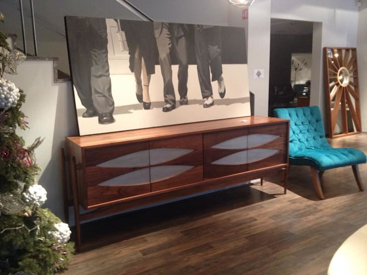 Showroom: Estudio de estilo  por Mid Mod Living