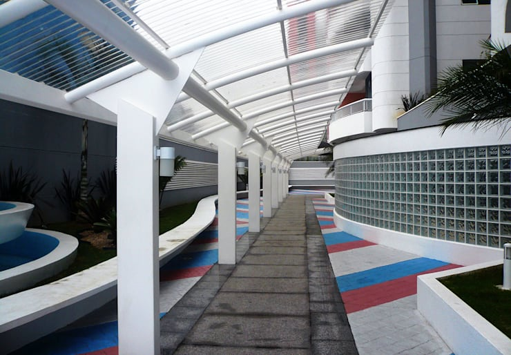 Residencial Varandas: Casas  por Douglas Piccolo Arquitetura e Planejamento Visual LTDA.