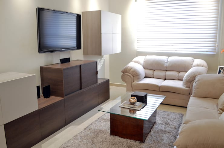 Salas de estilo moderno por APOTEMA Estudio de Diseño