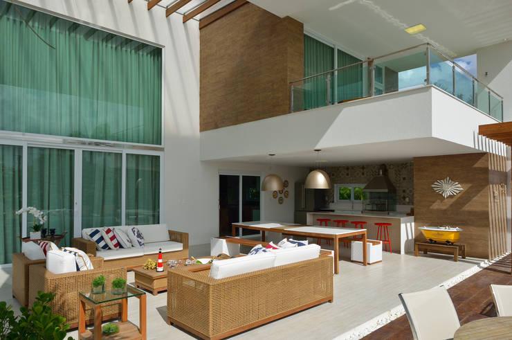 Varanda: Terraços  por Pinheiro Martinez Arquitetura
