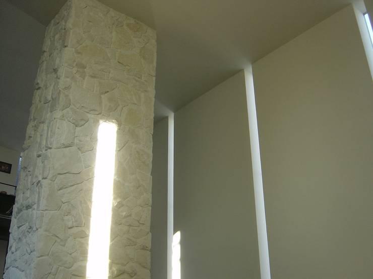 K seminar house: suz-sasが手掛けた壁です。