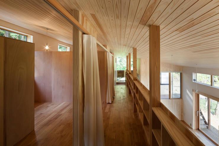 2階プライベートスペース: HAN環境・建築設計事務所が手掛けた子供部屋です。